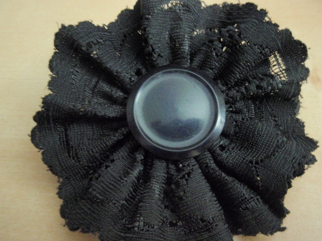 Lace flower barrette 18236729324e25d49e55859p7191685