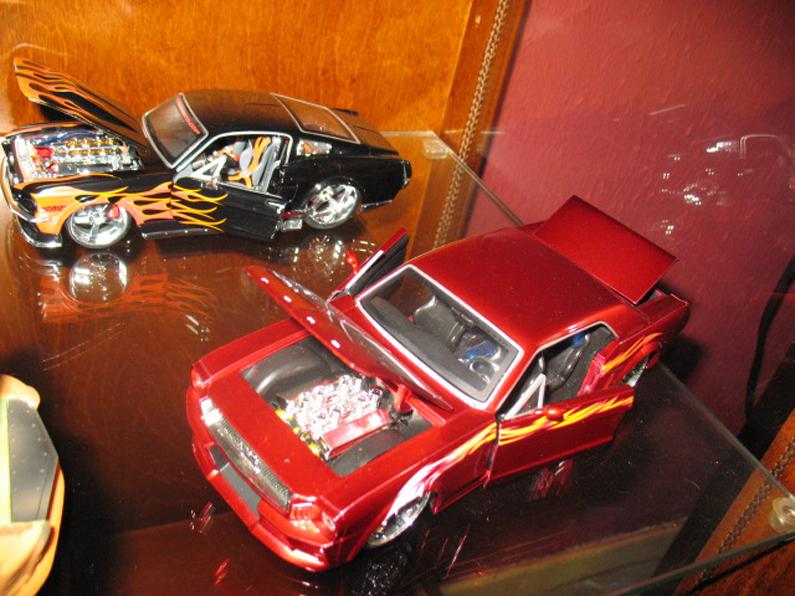 Ma collection de miniature et objets collection Ford  (rsturbo67) 150876926649a919bfa3b73photo034