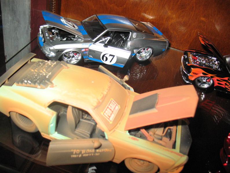 Ma collection de miniature et objets collection Ford  (rsturbo67) 87169067349a919cd2df4dphoto033